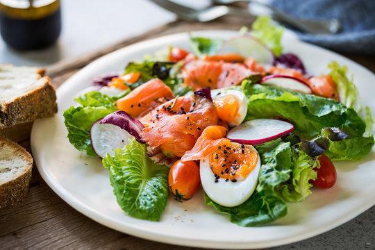Smoked Salmon with boiled eggs salad
