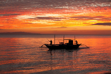 Sunset with fishing boat - Donsol Philippines