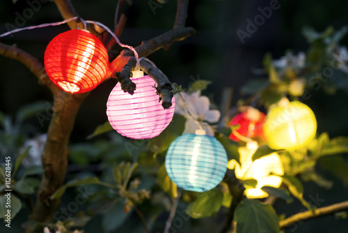 Bunte Lampions Am Abend Im Garten Stock Photo And Royalty Free