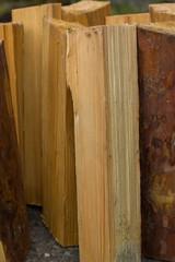 Колотые дрова из сосны для топки печи, камина и разведения костра на природе
