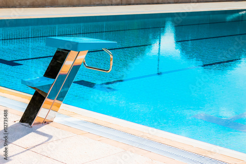 Close Up Of Swimming Pool Starting Block Outdoors Swimming Competition Concept Imagens E