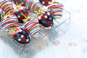 Strawberries in chocolate with usa decoration