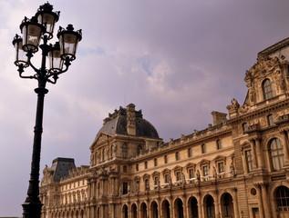 Louvre, das wohl berühmteste Museum der Welt -  Pavillon de l´Horloge mit Laterne