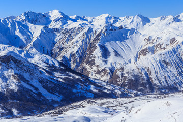 Valley view of Val Thorens. Village of Saint Martin de Bellevile