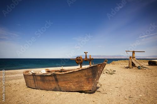 Rusty fishing boat at beach near almeria imagens e fotos for Fishing spots near me no boat