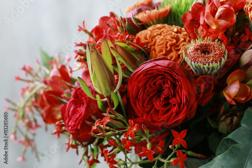 red and orange bouquet with roses gerberas carnations and free immagini e fotografie royalty. Black Bedroom Furniture Sets. Home Design Ideas