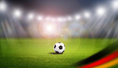 Fußball im Gegenlicht