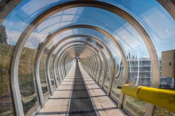 Le tunnel et les pistes de ski de Chamrousse en été