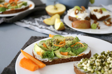 Slice of brown bread with avocado / Healthy breakfast