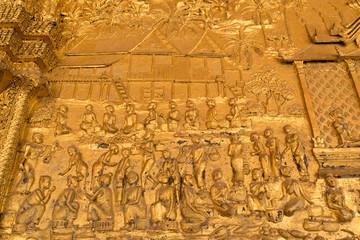 ルアンパバーン ワット・マイの壁面レリーフ