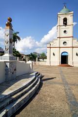 Parque Martí mit Iglesia del Sagrado Corazón de Jesús, Viñales
