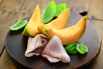 Recess Fitting Appetizer Vorspeise Melone Schinken
