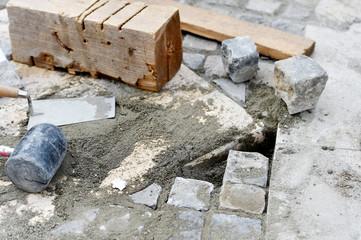 Installing cobblestone pavement
