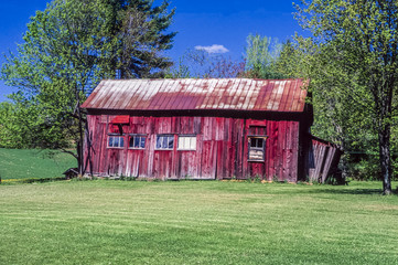 Old red barn in Maine