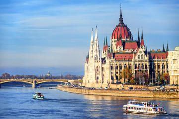 Photo sur Toile Budapest The Parliament building on Danube river, Budapest, Hungary