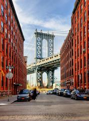 Poster Bridge Manhattan Bridge from an alley in Brooklyn, New York
