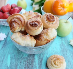 "Cookies "" roses"" with sugar. Buns, roll"