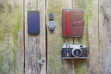 things to bring when travelling abroad, phone, camera, watch, no