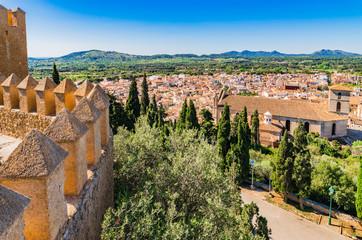 Panorama Mallorca Arta mit der Festungsmauer von Sant Salvador Fotomurales