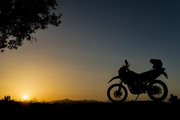 motorsiklet ile keşif turu