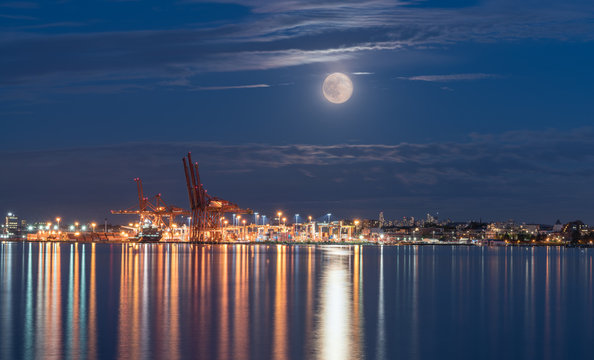 Vancouver Canada,June 20th 2016,Full Moon And Summer Solstice To Coincide For First Time In Decades over Canada place Vancouver downtown Canca