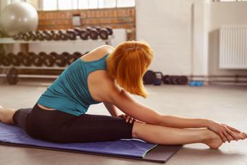 tänzerin trainiert im fitness-center