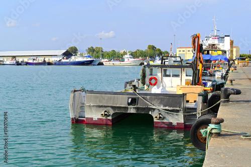 Embarcaciones de pesca fondeadas en el puerto de burriana - Puerto burriana ...