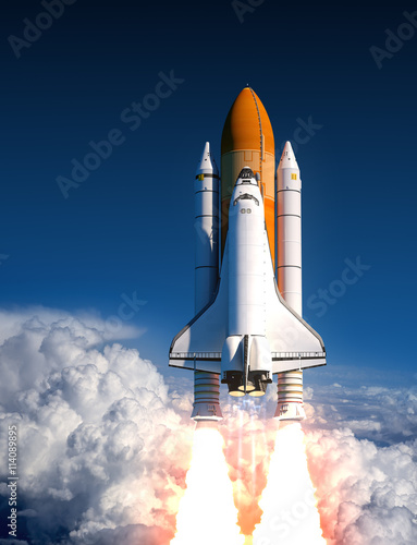Fotobehang Space Shuttle Launch In The Clouds