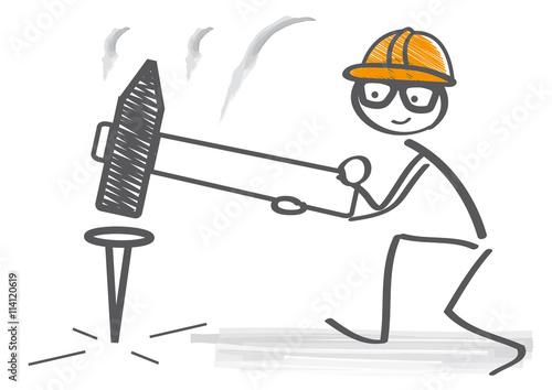 Handwerker zeichnung  Handwerker schlägt mit Hammer Nagel ein