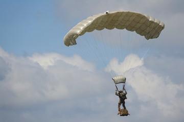 parachutiste militaire