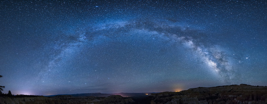Panoramic milky way over bryce canyon