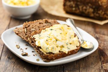 Eiersalat auf Brot - Egg salad and bread