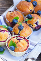 cupcakes with blueberry