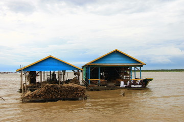 Water House in Tonle Sap