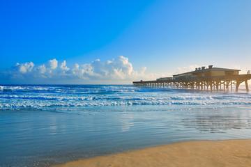 Fototapete - Daytona Beach in Florida with pier USA