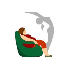 Толстая женщина сидит в кресле.