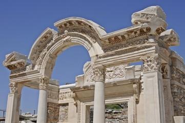 Hadrian Tapınağı Efes