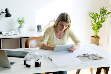 Searching ideas on digital tablet