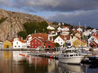 Im Hafen von Fjällbacka an der schwedischen Westküste