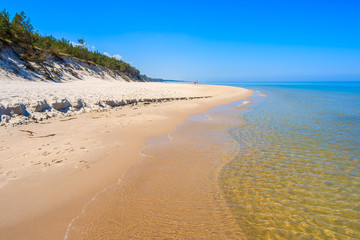 Fototapete - Sandy beach in Lubiatowo coastal village, Baltic Sea, Poland