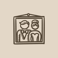 Wedding photo sketch icon.