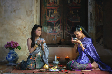 Thai women in traditional Thai dress,Set in the Ayutthaya period