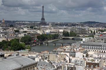 La Seine et le pont des Arts vus depuis la tour Saint-Jacques, Paris