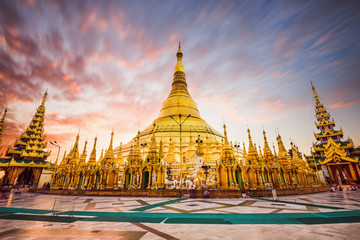 Wall Mural - Shwedagon Pagoda of Myanmar