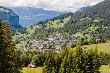 Wengen, Dorf, Bergdorf, Wengeneralp, Alpen, Schweizer Berge, Lauberhorn, Wanderweg, Wanderferien, Sommer, Berner Oberland, Schweiz