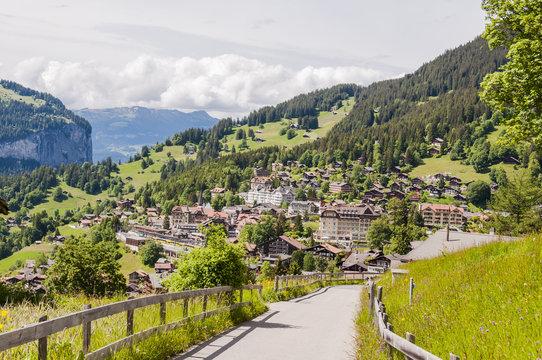 Wengen, Dorf, Bergdorf, Berner Oberland, Alpen, Schweizer Berge, Wengeneralp, Lauberhorn, Wanderweg, Wanderferien, Sommer, Schweiz