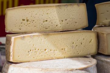 Set di formaggi di malga prodotti in Veneto gustosi e semplici