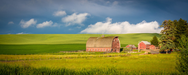 Red barn in farm country of Idaho