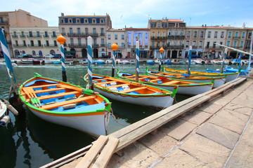 Sète (France) / Cadre royal - Barques colorées