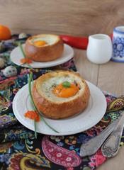 Baked egg in a bun